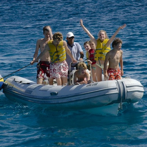 Familly Excursion Seychelles Lonestar Catamaran